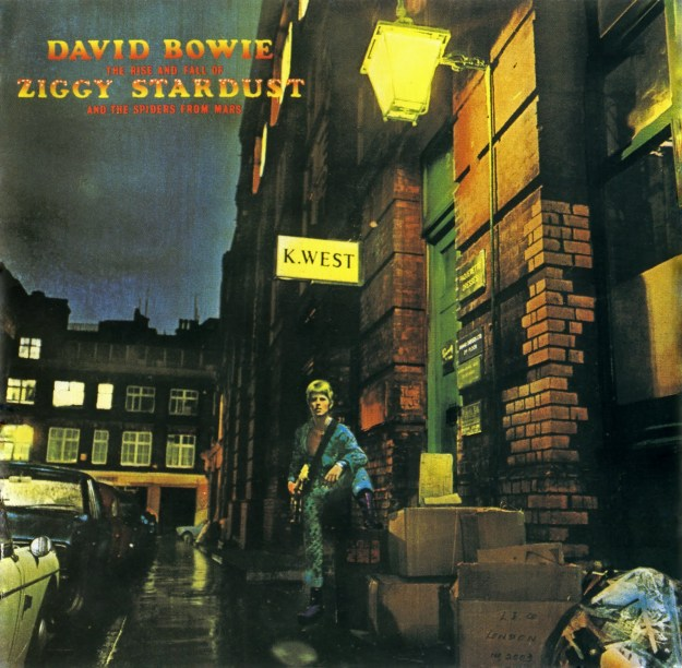 1972-the-rise-and-fall-of-ziggy-stardust-and-the-spiders-from-mars-front