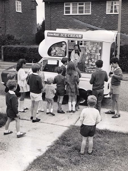 451px-Lyons_Maid_Ice_Cream_Van