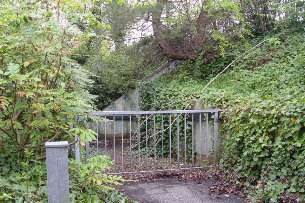 A subway was buit at the time to link the two halves of rock Park, but this looks long disused.