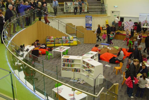 Discover, the great big circular children's library.