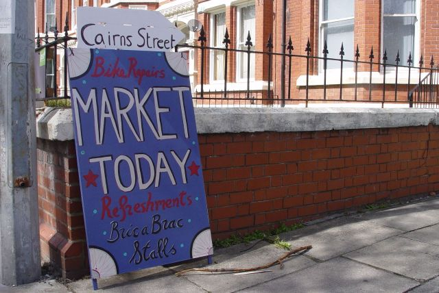 More housing talk in a bit, let's go to Cairns Street, to the market.