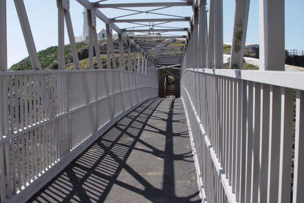 We cross the bridge to Ynys Lawd.