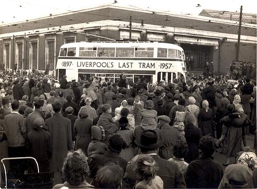 Leaving Edge Lane depot on the last day.