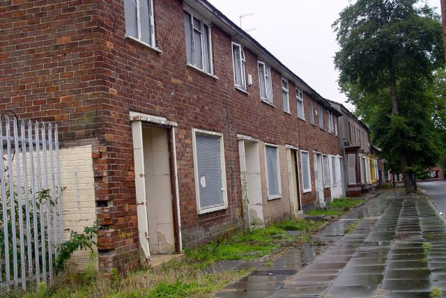Wynnstay Street, these 1950s houses built to replace others lost in the War, at the same time as the Doric Lodge in Princes Park.