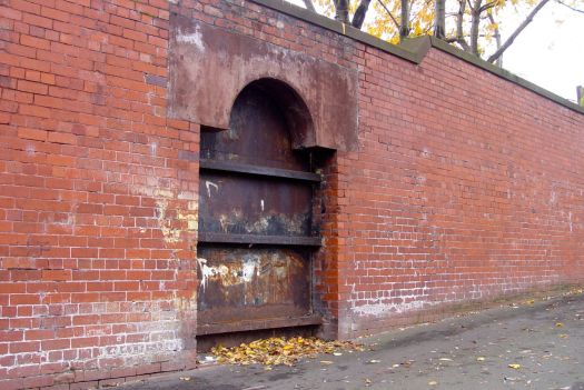 I wonder what this was? A doorway or maybe a Melly Fountain?