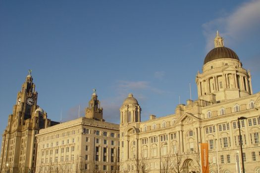 I'm sure you've seen the Three Graces thousands of times before, but in the late afternoon sunlight a picture demands to be taken.