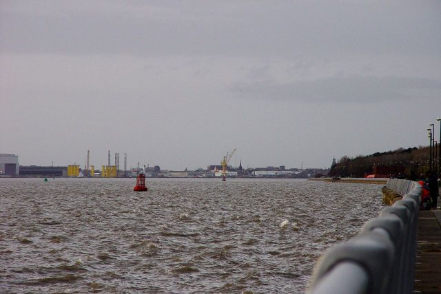 While downstream are Cammell Laird's and Birkenhead Docks, here no docks were built.
