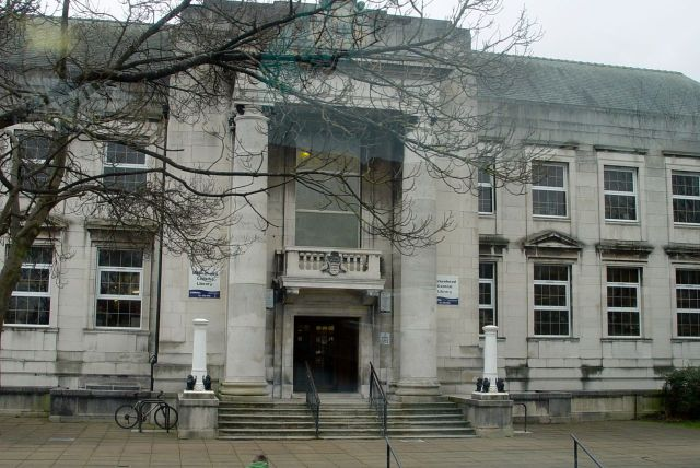 Past Birkenhead Library.