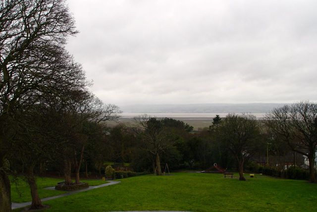 Next to the Memorial is a steep little park tempting me down to the Estuary.