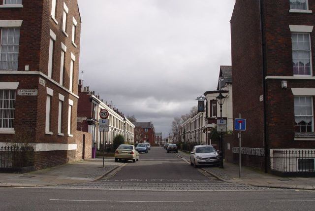 Looking across Catharine Street to lovely Egerton Street. The line of the street entirely spoiled by its 1980s additions along there. Planning must have been asleep that day.