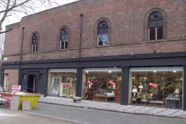 Opposite, in this building that's been empty for years a furniture shop has now opened.