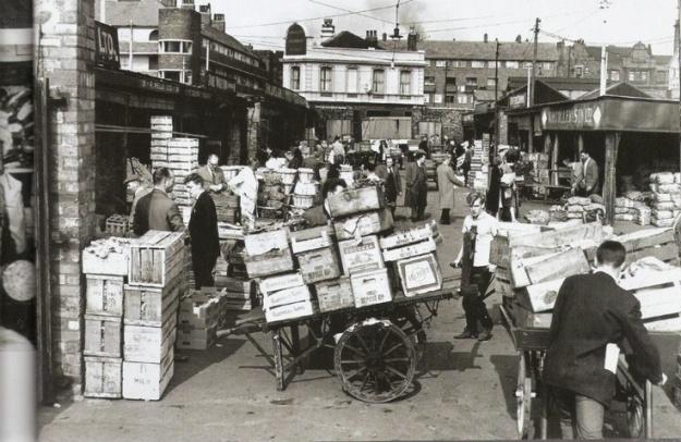 Cazneau Street fruit and veg market.