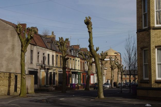 One of the lost streets of Granby. What's left of Hatherley Street. With the new mosque at the end there.