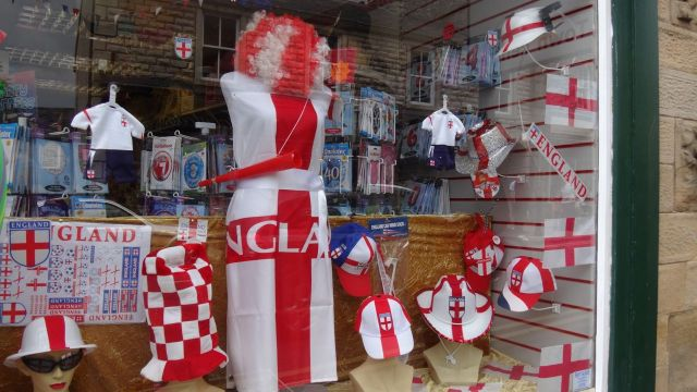More reddening in this shop window.