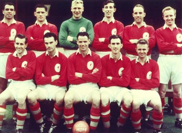The 1957/58 squad.