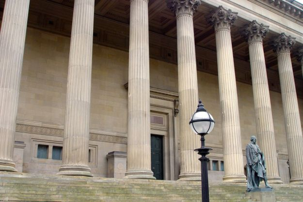 Walking past St George's Hall, noticing things.