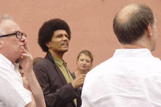 Jimi talks of the wealth that lived in the boulevard just next to here in the 19th century.