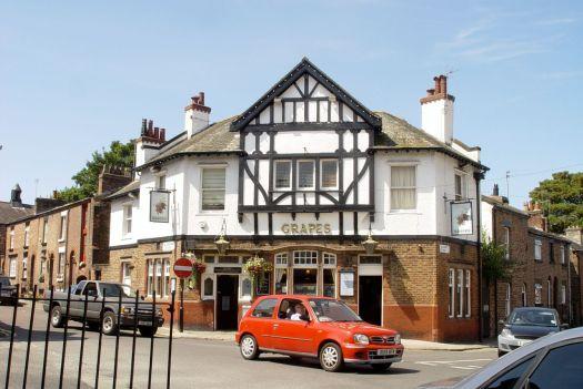 The Grapes, a picture perfect English pub.