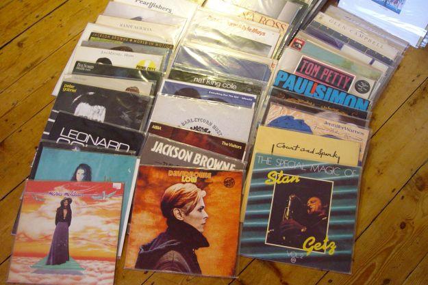 Buying LPs again01