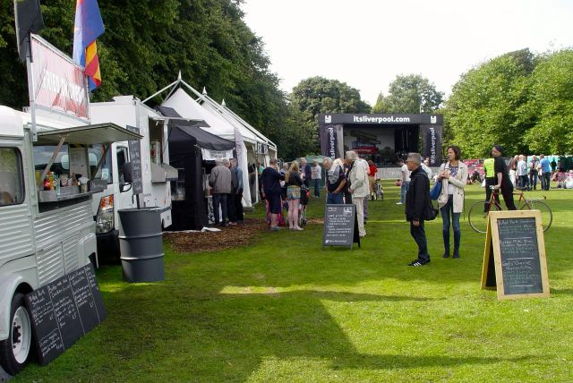 There are food and beer stalls at all the stages this year. It all looks very well organised.