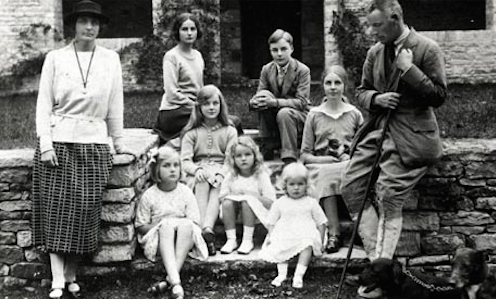 Introducing the Mitfords. Debbo is the youngest girl, sitting at the front.