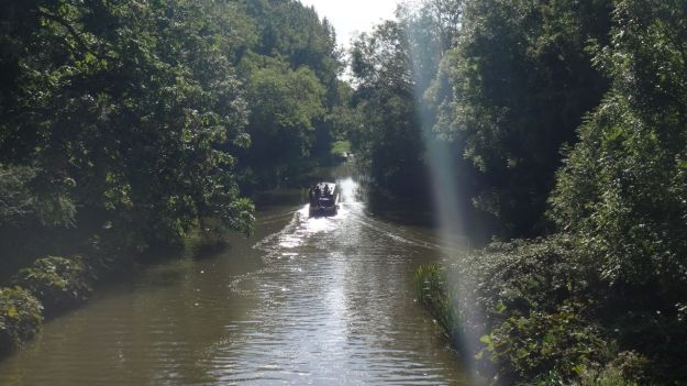 And the canal lifestyle looks idyllic (even if I now know otherwise).