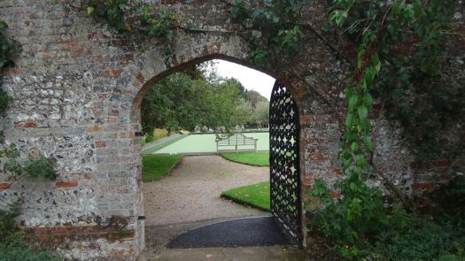 And a secret gate into the bowling green area.