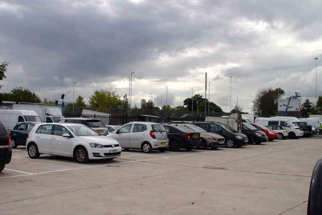 Fair bit of parking space, not sure if these are just traders cars and vans.