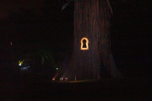 A tree with a keyhole we all saw last year.