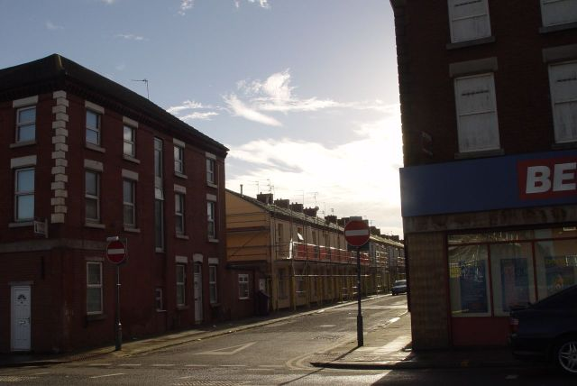 Whittier Street. Terraced housing being renovated. Oh, people do intact want to live in these sort of houses!