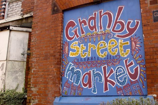 Splendid new sign at the end of Cairns Street, though the market itself won't happen again until April.