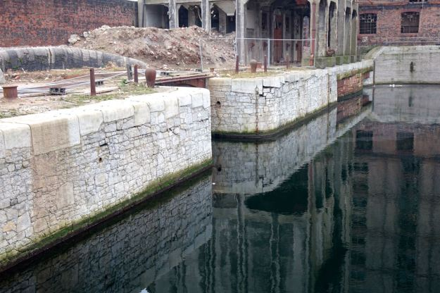 Is where the Leeds and Liverpool Canal enters the North Docks.