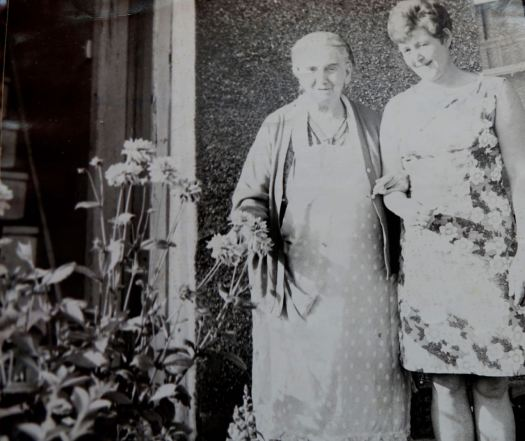 Here she is, late on with Rose, in front of the same house in Marsh Avenue.