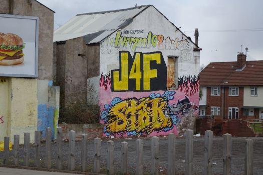 Spectacular graffiti opposite.