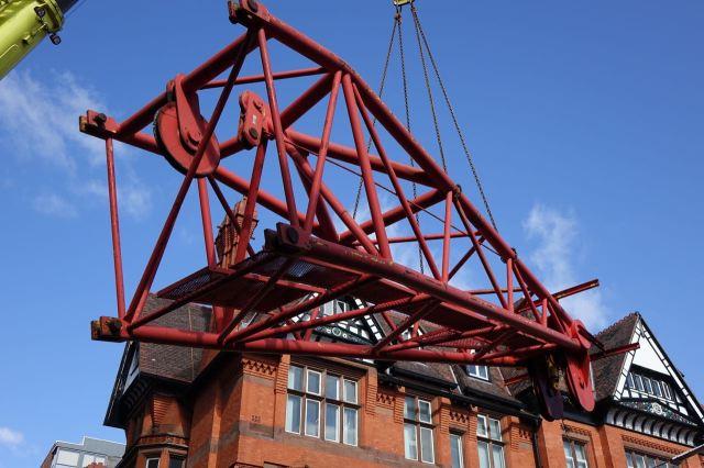 Giant Cranes34
