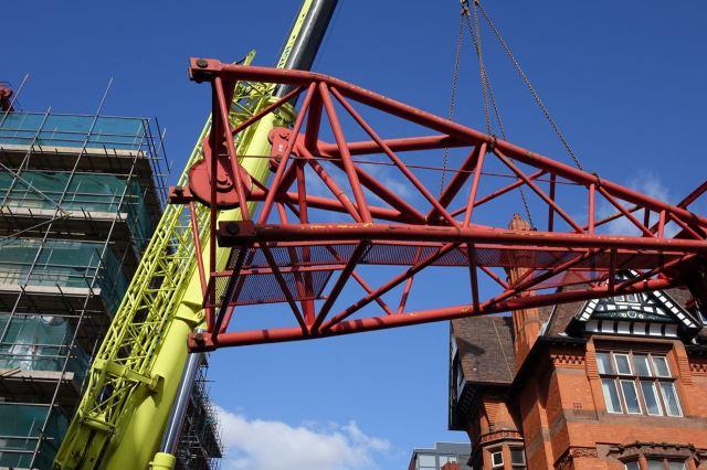 Giant Cranes35
