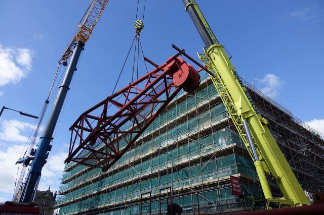 Giant Cranes37