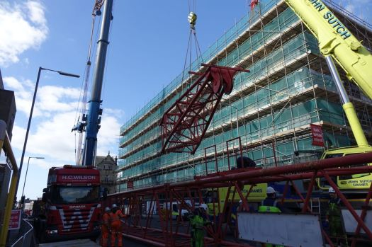 Giant Cranes38