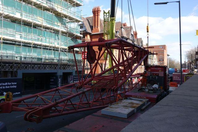 Giant Cranes43