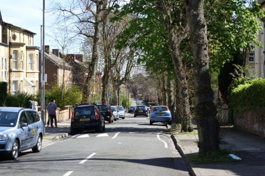 Looking right, away from Liverpool 8 along leafy Arundel Avenue? No bollards.