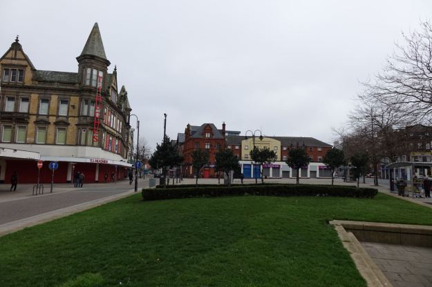 And empty Pembroke Place.