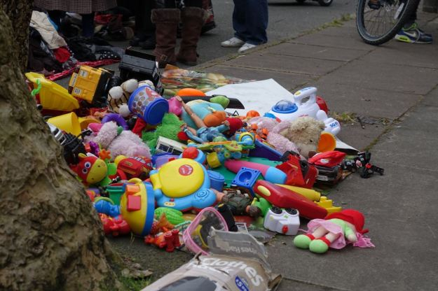 Many toys.