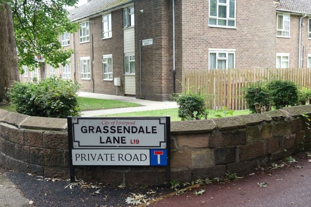 Ah, 'Private' - an open invitation to walk in.