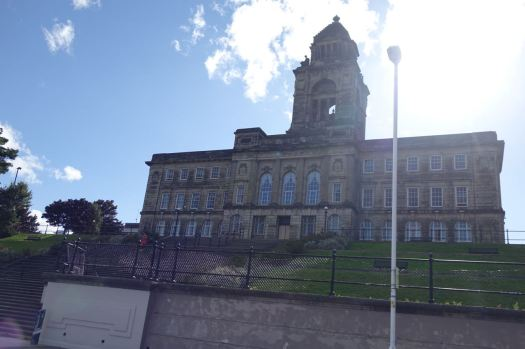 Passing Wallasey Town Hall. Is that much used now? Doesn't look like it.