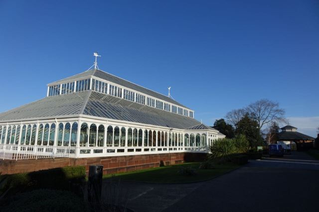 The Isla Gladstone glasshouse and the whole place are Grade ll Listed.