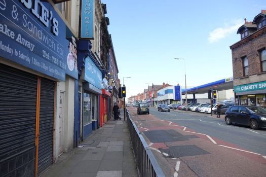 Crossing the road into Sandown Lane.