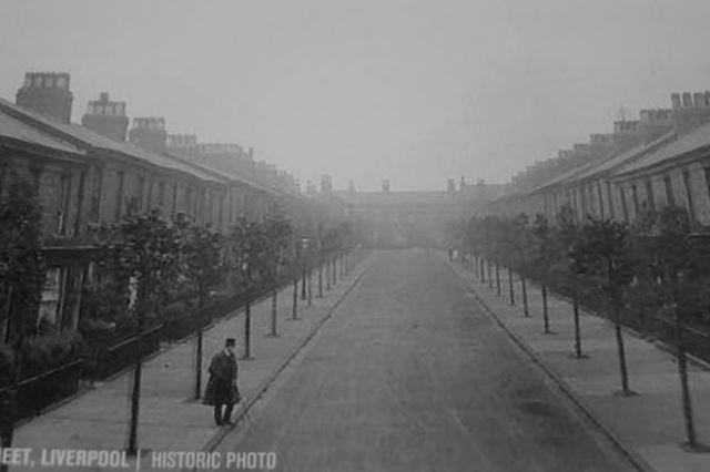 Here is Voelas Street early in the 20th century, with garden areas in front of the houses.