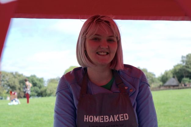 I spend a peaceful hour behind the Homebaked stall with my friend Cally.