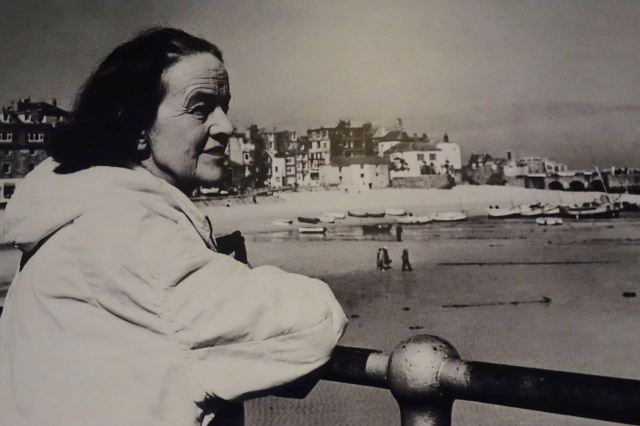 We want to go and visit Barbara Hepworth.