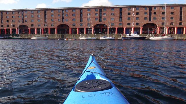 16-11-kayak01